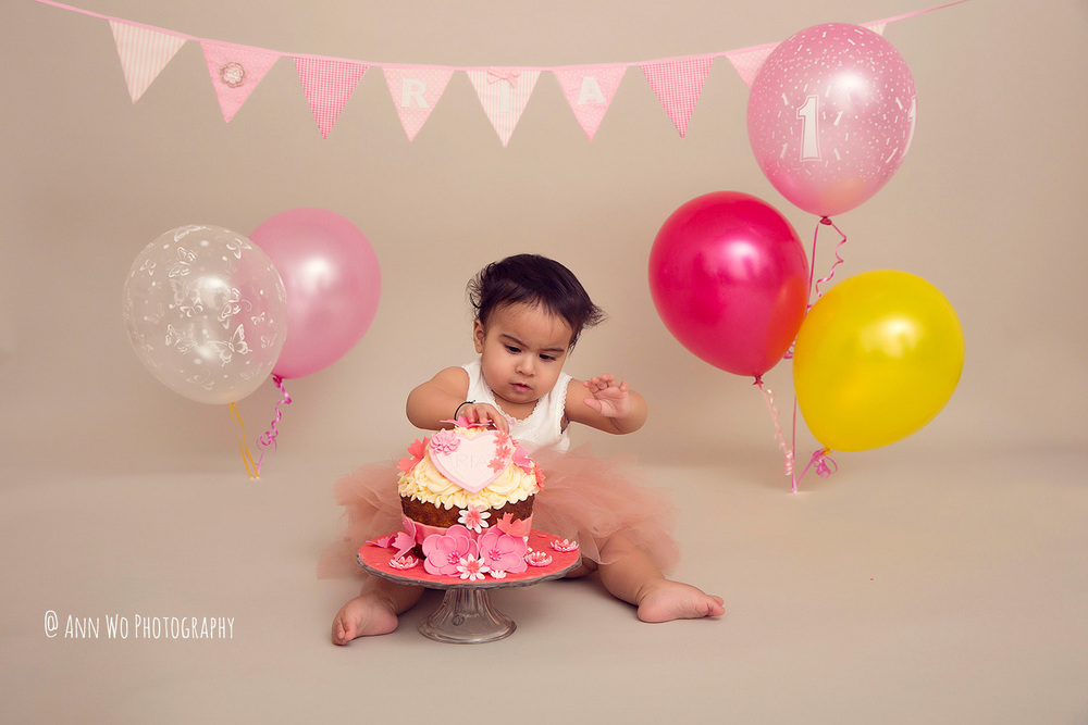 cake-smash-ria-london-baby-photographer06.jpg