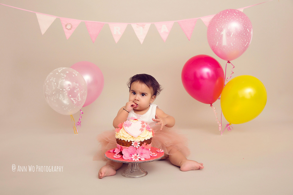 cake-smash-ria-london-baby-photographer07.jpg