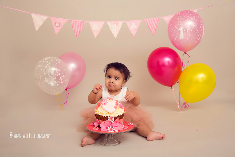 cake-smash-ria-london-baby-photographer08.jpg