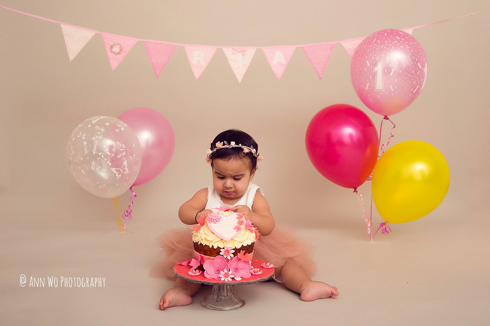 cake-smash-ria-london-baby-photographer10.jpg