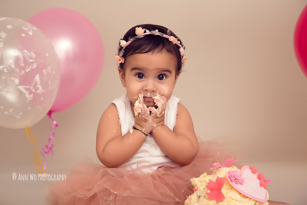 cake-smash-ria-london-baby-photographer19.jpg