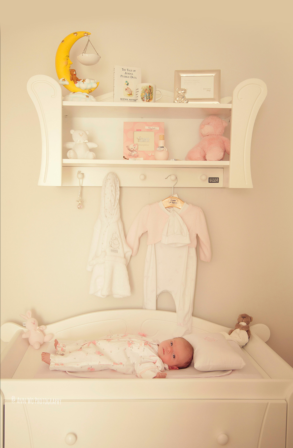 newborn-photographer-west-london-home-session-ann-wo23.jpg