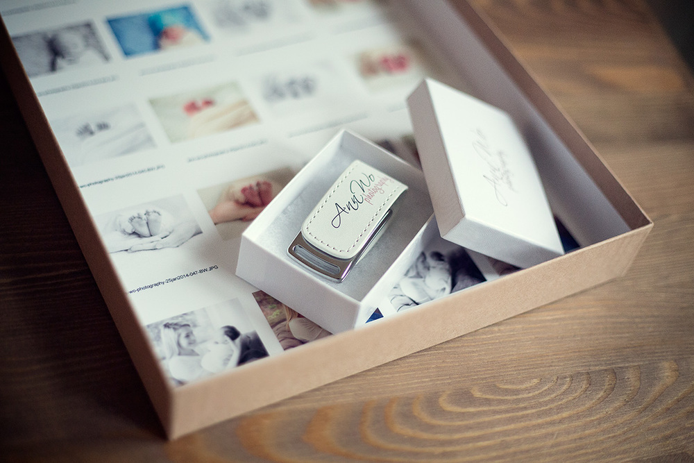 newborn-photographer-london-usb-packaging