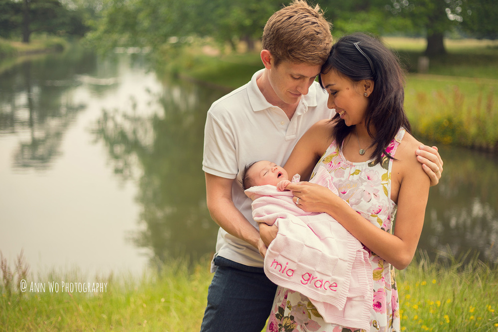 outdoor newborn baby photography in London by Ann Wo