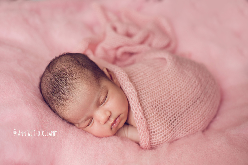 newborn photography london ann wo pink fluff knitted wrap