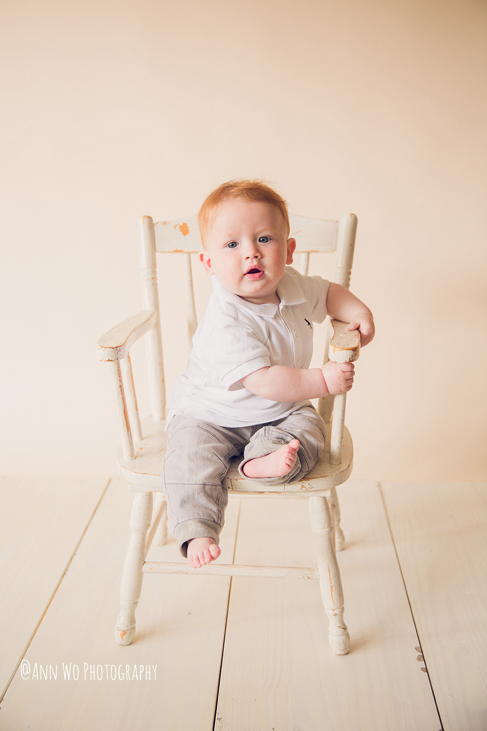 web-baby-photography-london-ann-wo-6-month-boy-sitter-session-01.JPG
