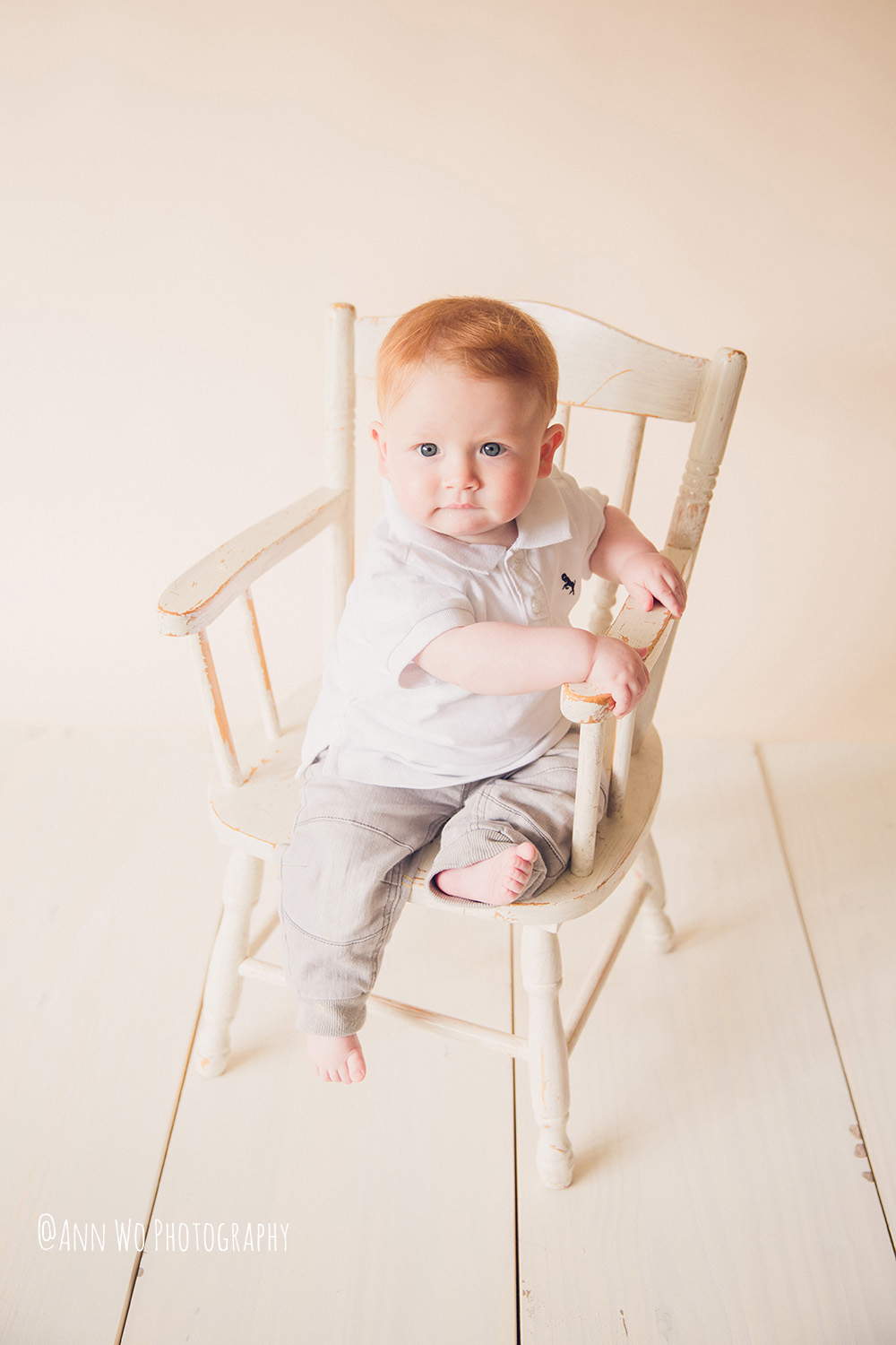 web-baby-photography-london-ann-wo-6-month-boy-sitter-session-04.JPG
