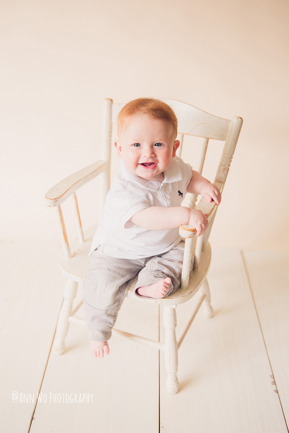 web-baby-photography-london-ann-wo-6-month-boy-sitter-session-05.JPG