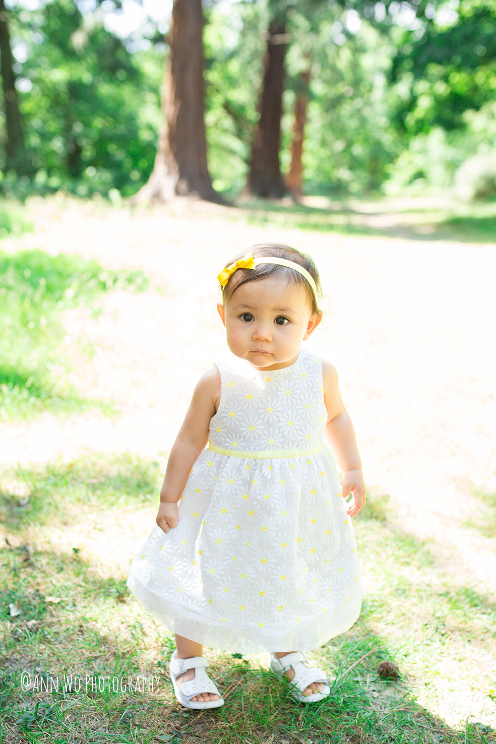 Lifestyle-Family-Photo-Session-First-Year-Outdoor-Cake-Smash-Baby-Girl-London-01.JPG