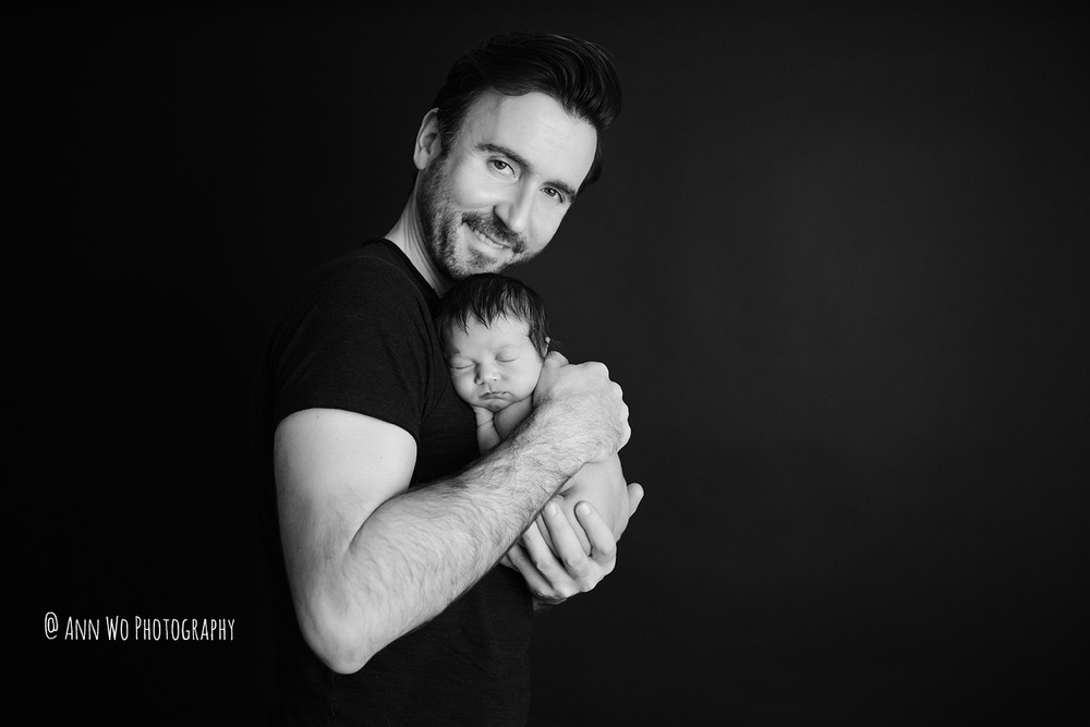 ann wo london newborn photographer skin-to-skin