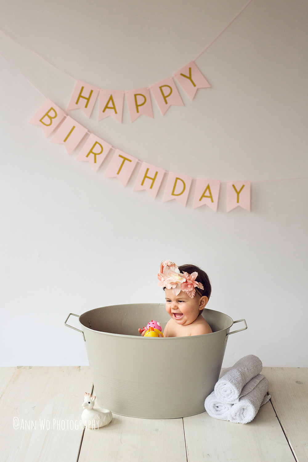 baby-photography-london-ann-wo-cake-smash-27.JPG