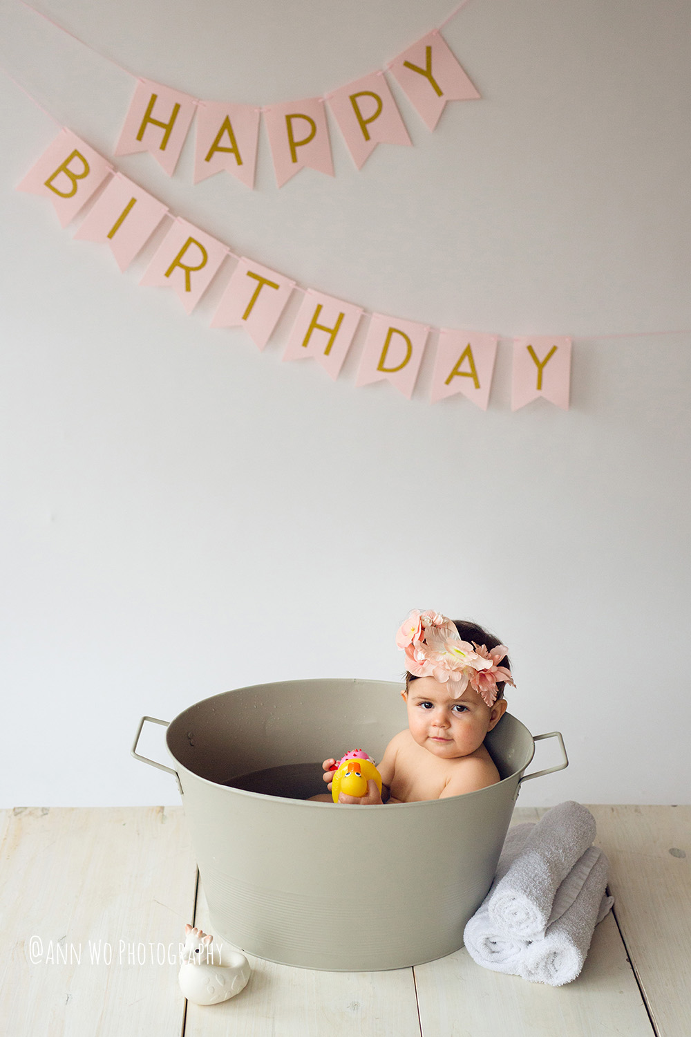 baby-photography-london-ann-wo-cake-smash-28.JPG