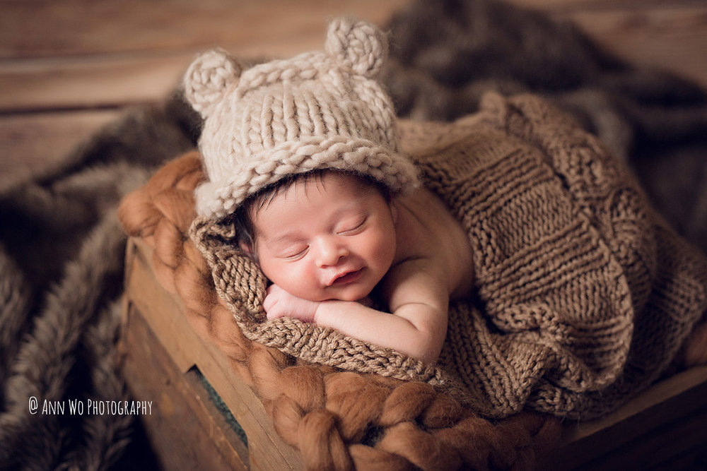 065-newborn-photography-at-home-ann-wo-london-31.JPG