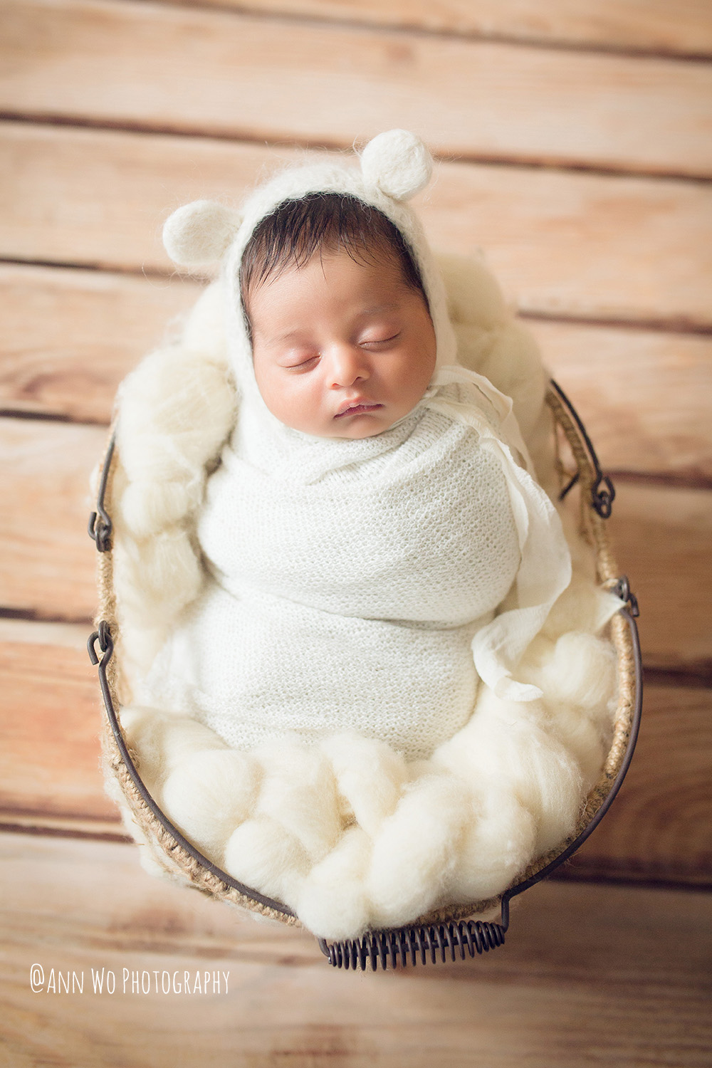 093-newborn-photography-at-home-ann-wo-london-59.JPG