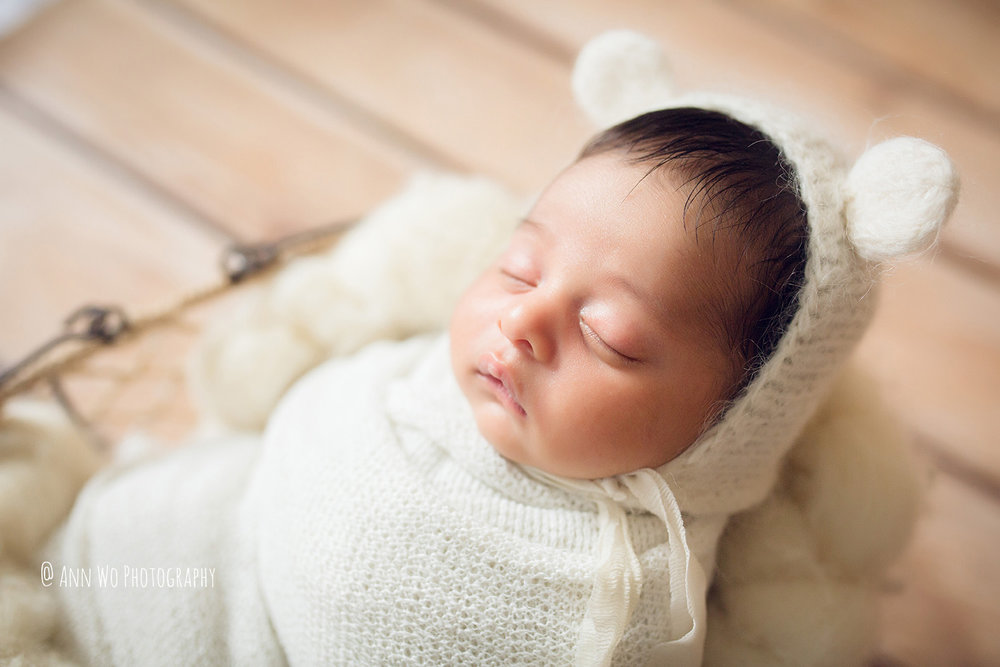 094-newborn-photography-at-home-ann-wo-london-60.JPG