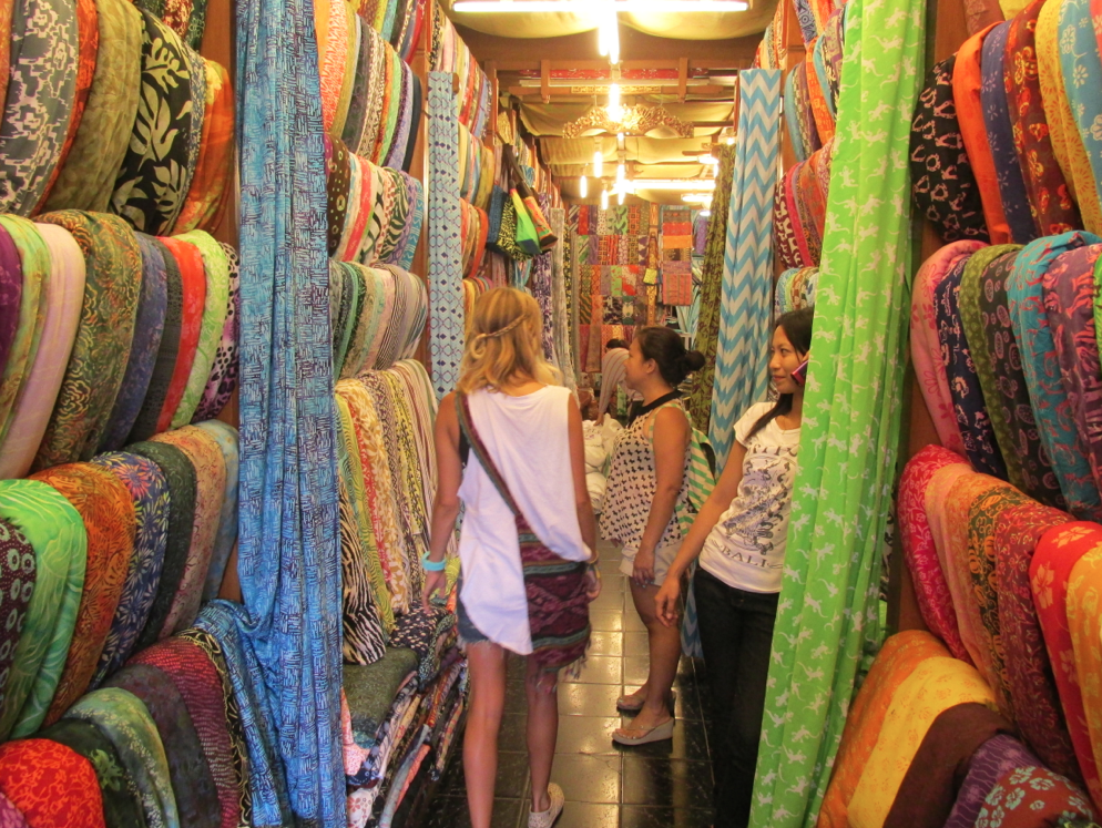 FABRIC-SHOPPING-BALI-THEMINDSEYEWAY.png