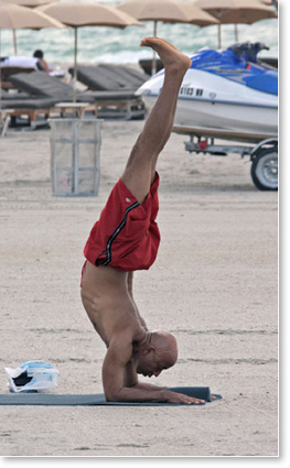 Russell-simmons-yoga-posture.jpg
