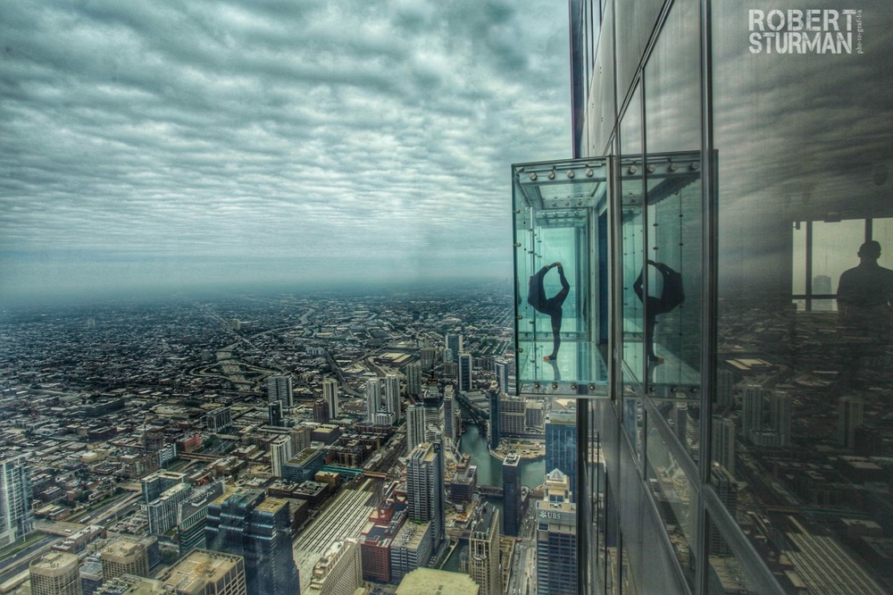 72)   Isabel Olson: The Chicago Skydeck Ledge
