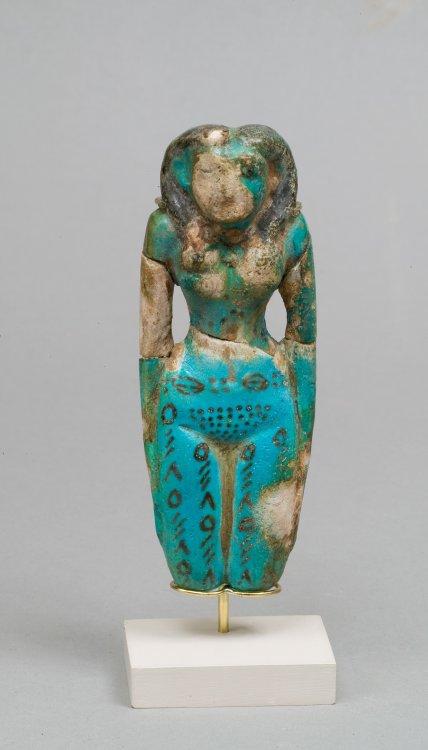Tattooed Egyptian figurine. Courtesy of the Metropolitan Museum of Art.