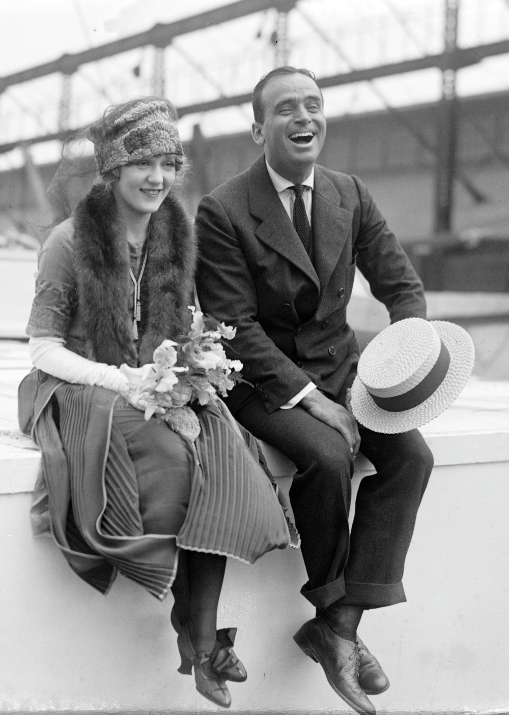 Douglas_Fairbanks_and_Mary_Pickford_02.jpg