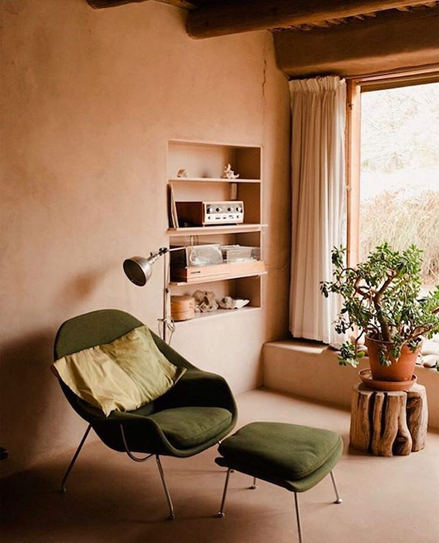 These colours. . . #georgiaokeeffe #santafe . RP @ad_magazine. Photo @ryanlowry.