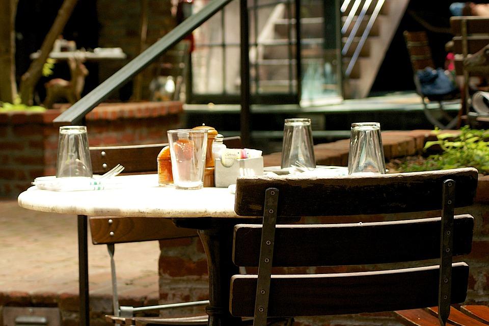 Busca un delicioso café para tomar un brunch y recrearte con la decoración, la música, el olor y los sabores