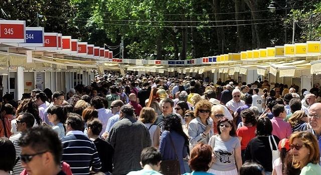 Feria del Libro 2016, en el Paseo del Duque de Fernán Núñez,Jardines del Buen Retiro