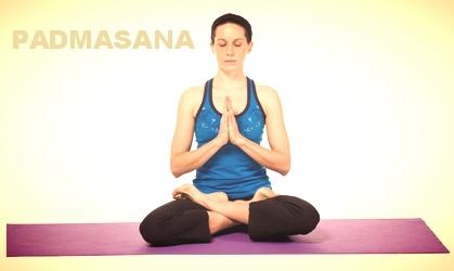 La postura del loto o Padmasana es la de meditación por excelencia