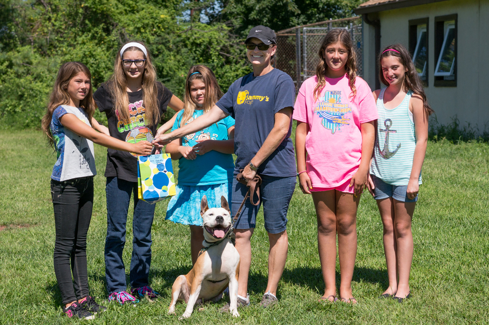 Alexa Sapsa , Daniella Forsythe , Katie Hegedus, Gabriella Sapsa & Olivia Tomasula present the money they raised to Sammy's Hope