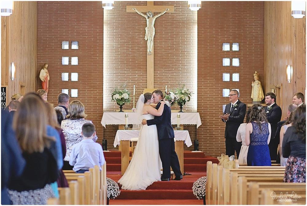 Kansas City Wedding Photography - Elizabeth Ladean Photography_C&T.Oct2015_2547.jpg