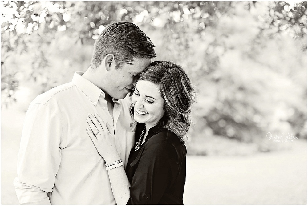 Kansas City Photographer-Elizabeth Ladean-Best-Of-Engagement_2015_3369.jpg