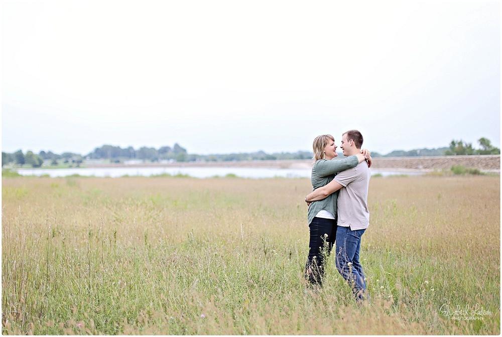 Kansas City Photographer-Elizabeth Ladean-Best-Of-Engagement_2015_3377.jpg