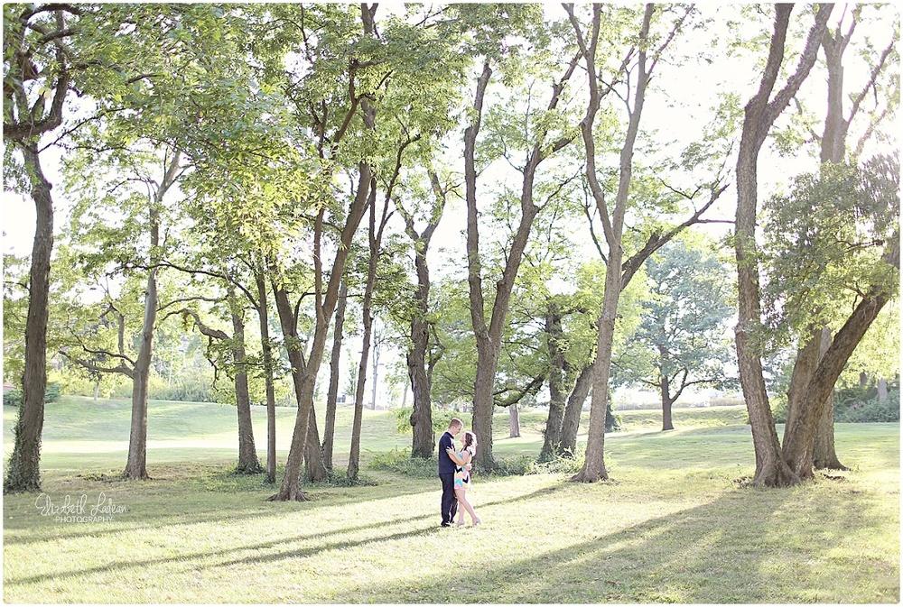 Kansas City Photographer-Elizabeth Ladean-Best-Of-Engagement_2015_3383.jpg