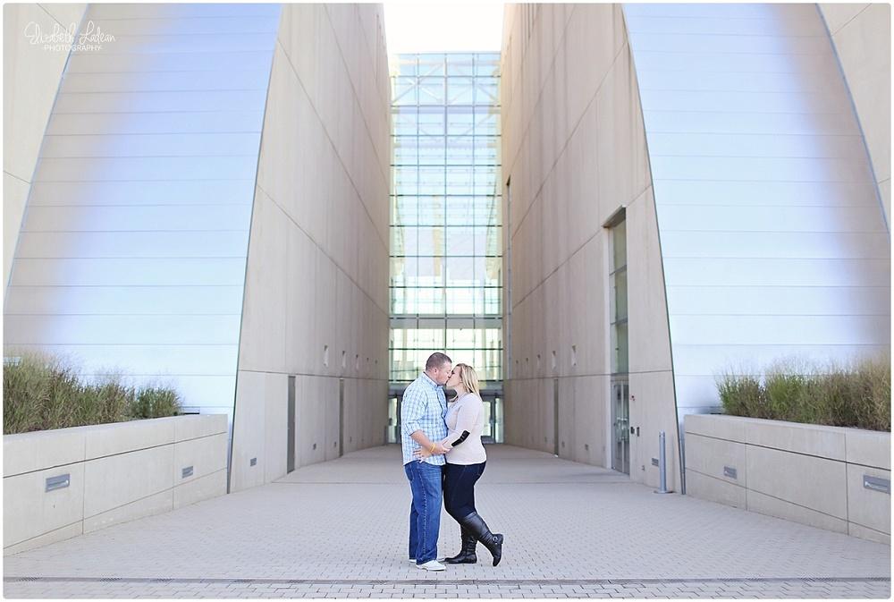 Kansas City Photographer-Elizabeth Ladean-Best-Of-Engagement_2015_3389.jpg