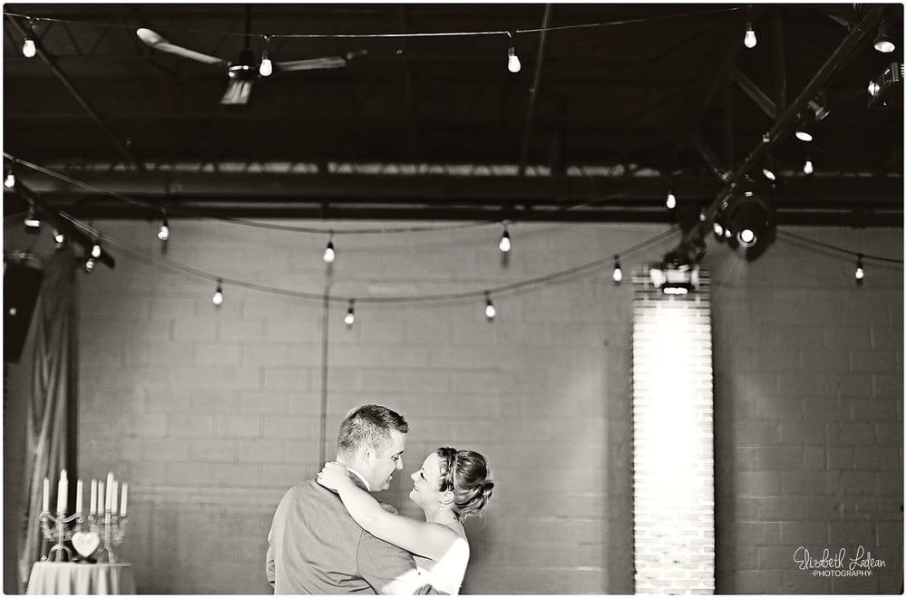 Kansas City Photographer-Elizabeth Ladean-Best-Of-Weddings_2015_3402.jpg