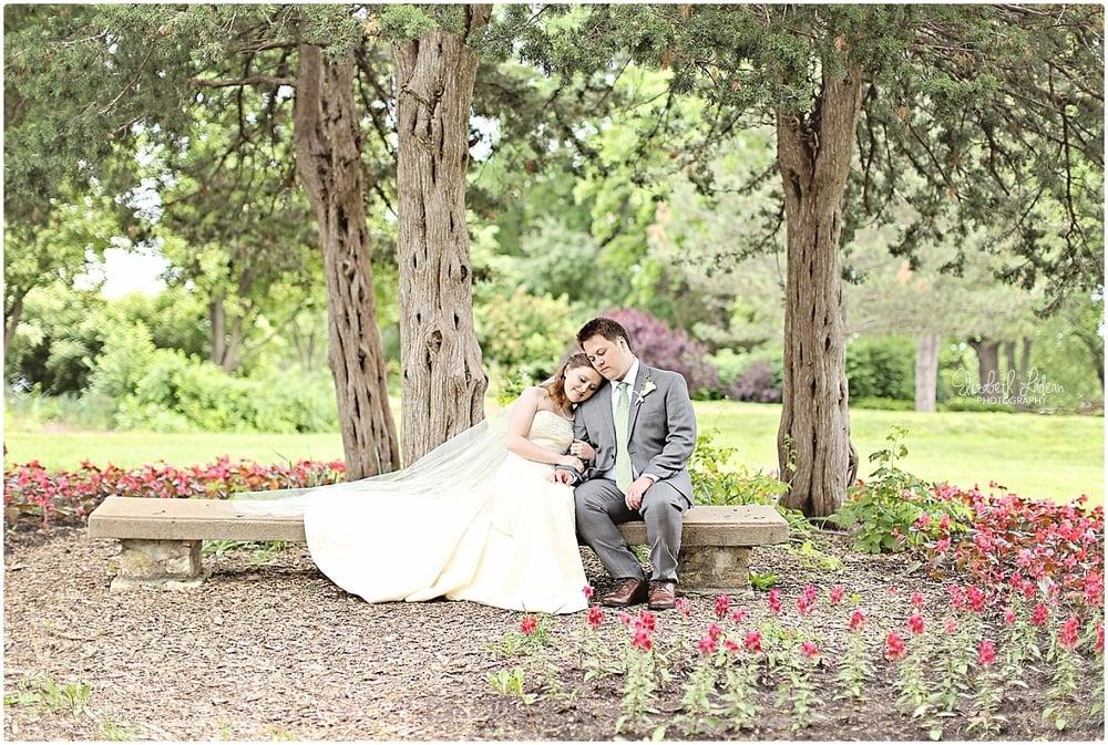 Kansas City Photographer-Elizabeth Ladean-Best-Of-Weddings_2015_3417.jpg