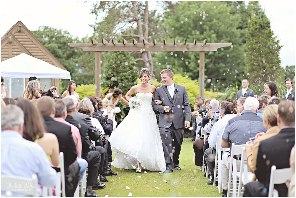 Kansas City Photographer-Elizabeth Ladean-Best-Of-Weddings_2015_3420.jpg