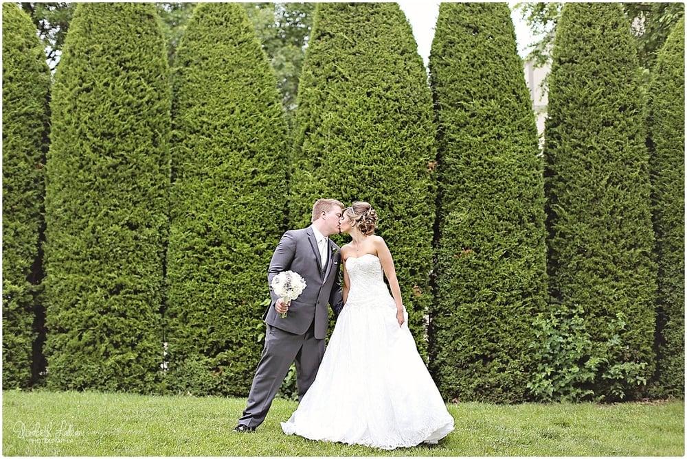 Kansas City Photographer-Elizabeth Ladean-Best-Of-Weddings_2015_3421.jpg