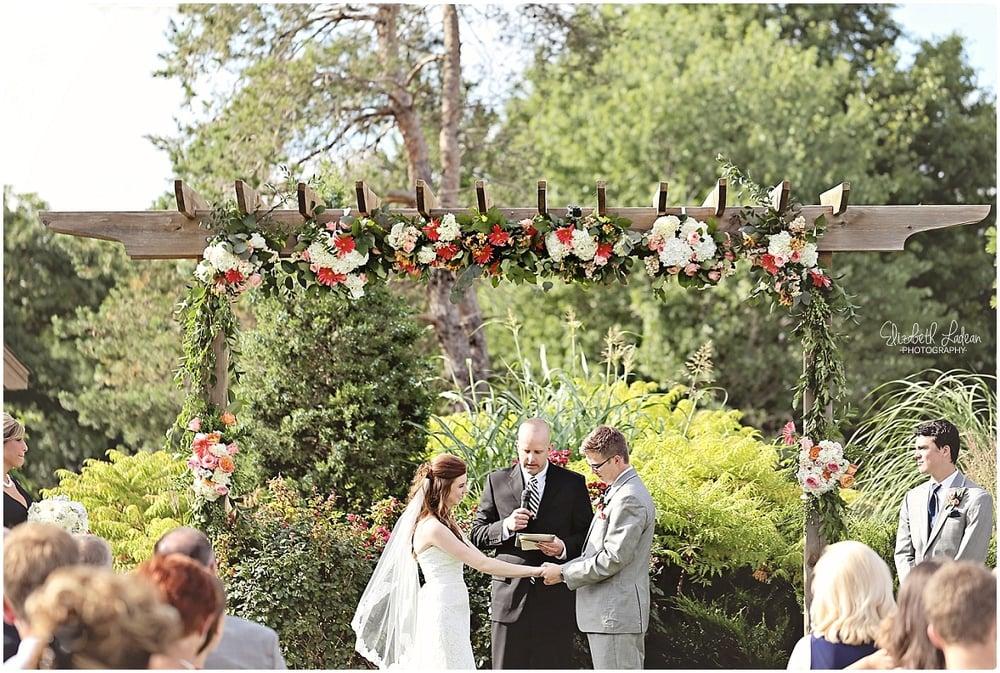 Kansas City Photographer-Elizabeth Ladean-Best-Of-Weddings_2015_3435.jpg