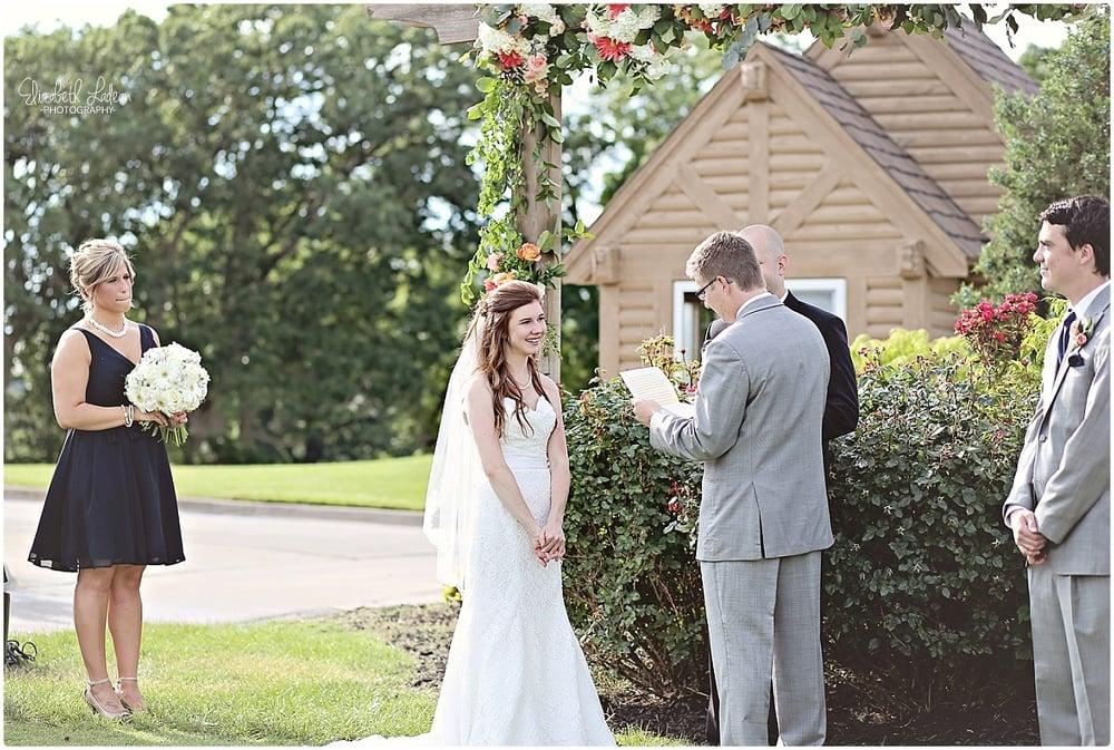 Kansas City Photographer-Elizabeth Ladean-Best-Of-Weddings_2015_3436.jpg