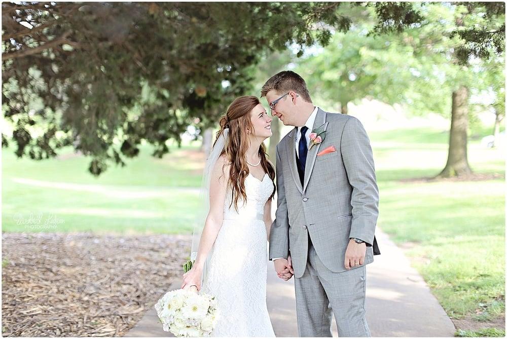 Kansas City Photographer-Elizabeth Ladean-Best-Of-Weddings_2015_3438.jpg