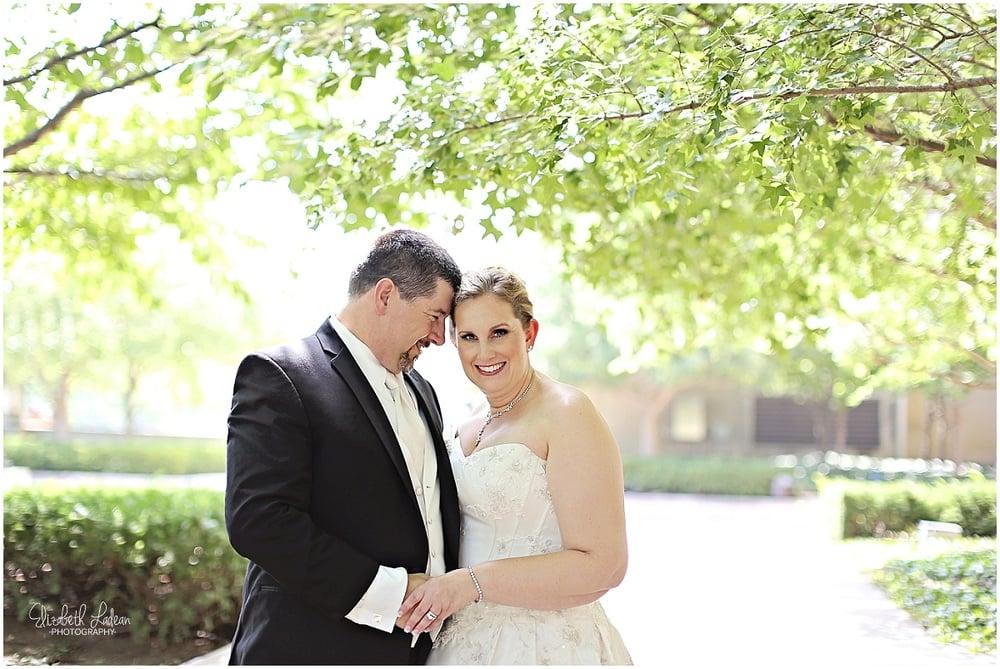 Kansas City Photographer-Elizabeth Ladean-Best-Of-Weddings_2015_3450.jpg
