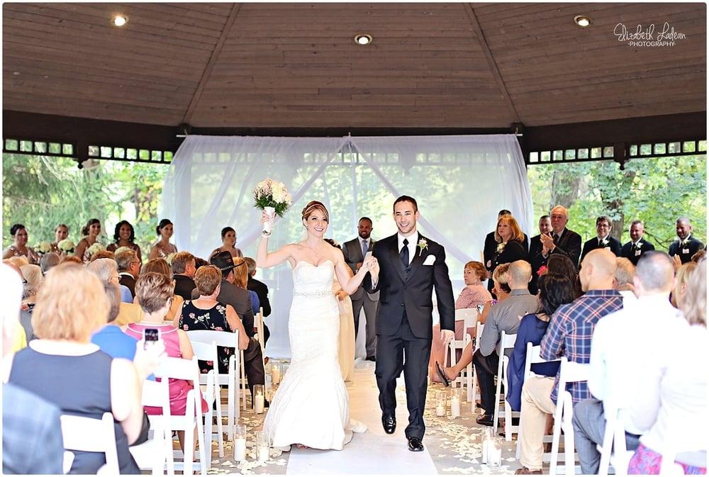 Kansas City Photographer-Elizabeth Ladean-Best-Of-Weddings_2015_3457.jpg