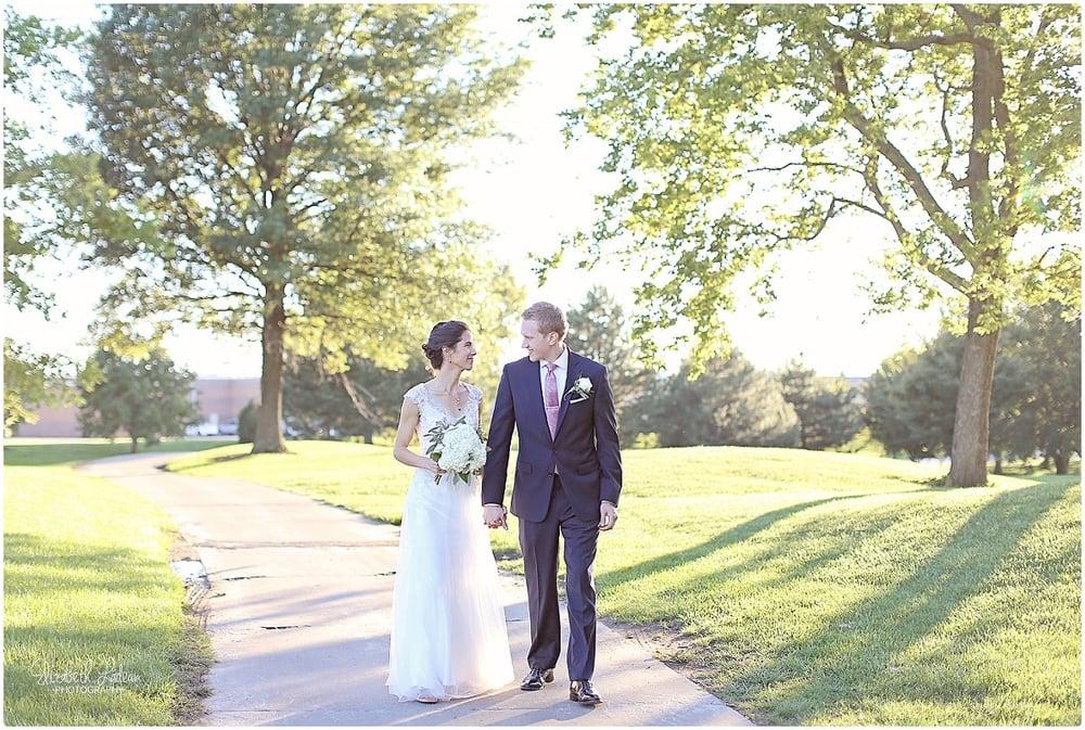Kansas City Photographer-Elizabeth Ladean-Best-Of-Weddings_2015_3465.jpg