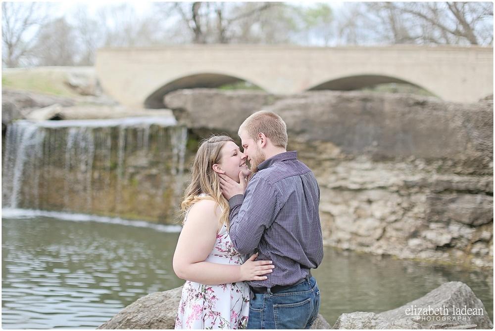 KansasCityEngagementPhotographer_ElizabethLadeanPhotography_M+S416-_5471.jpg