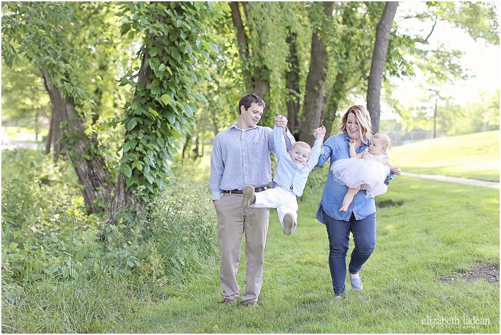 Sar-Ko-Park-Family-Photos-Kansas-HFam-ElizabethLadeanPhotography-photo_6210.jpg
