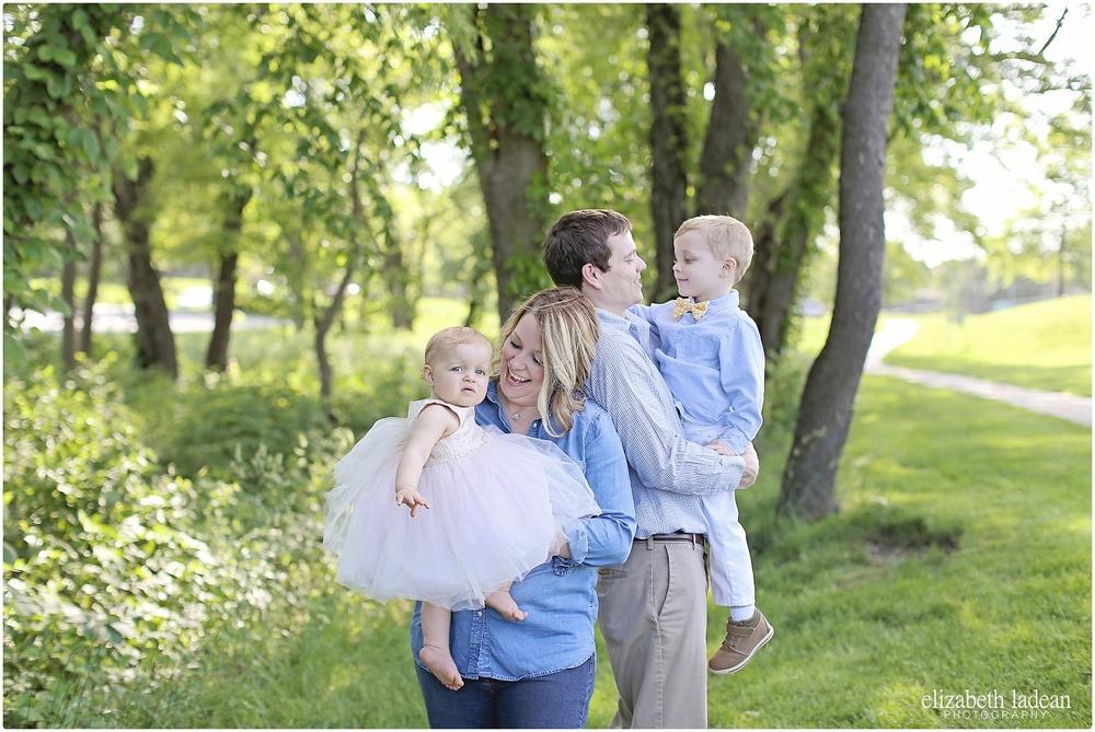 Sar-Ko-Park-Family-Photos-Kansas-HFam-ElizabethLadeanPhotography-photo_6209.jpg