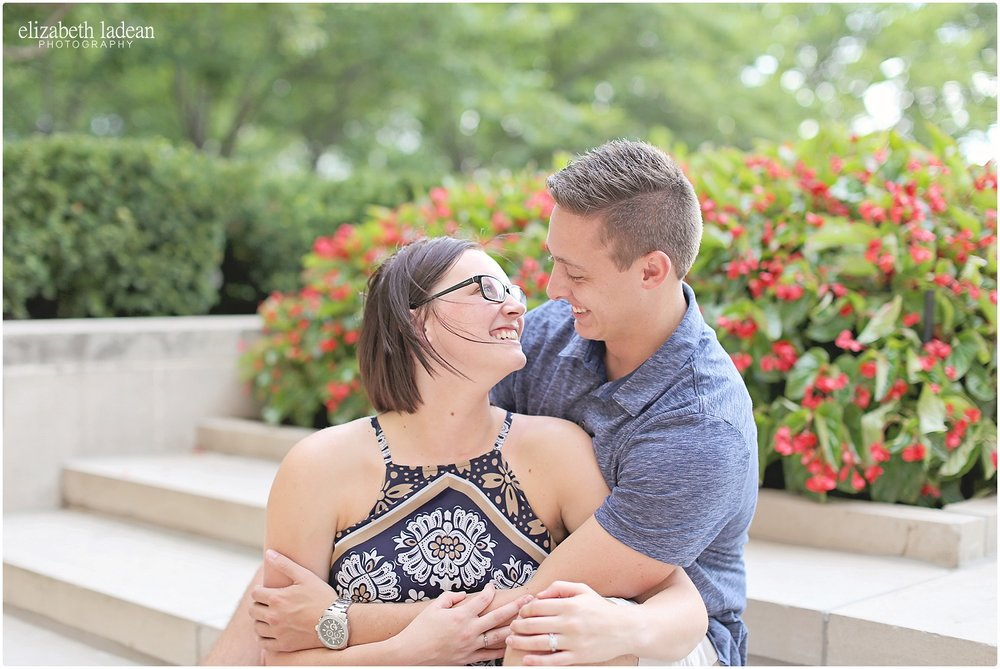 Nelson-Atkins-Engagement-Session-KC-Photographer-A+M-August-ElizabethLadeanPhotography-photo_6368.jpg