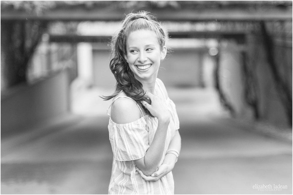 Kansas-City-Senior-Photographyer-Nelson-Atkins-Plaza-L2017-Elizabeth-Ladean-Photography-photo_8565.jpg