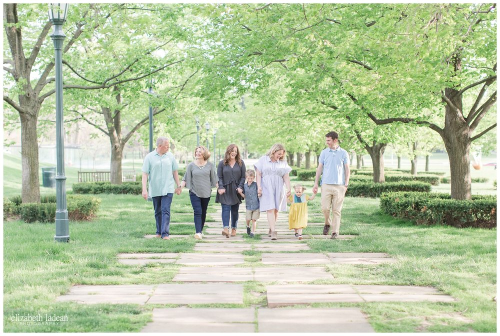 Family-Photography-Nelson-Atkins-Kansas City-D-2017-Elizabeth-Ladean-Photography-photo_0508.jpg